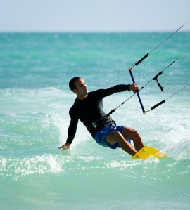 3433kite_surfing
